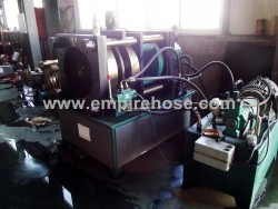 Tube pressure testing machine